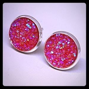 Jewelry - 2 for $10 💖 Hot pink druzy style studs